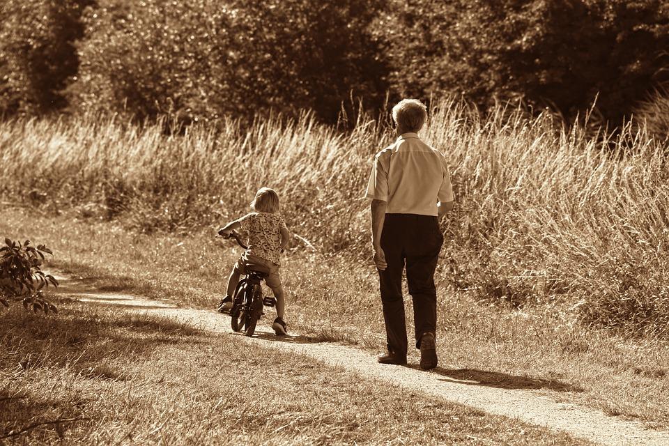 孫とおじいちゃん二人